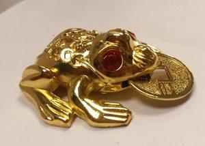 Статуэтка Жаба золотая с монетой