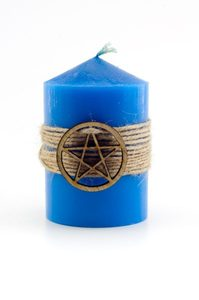Синяя магическая свеча с пентаграммой