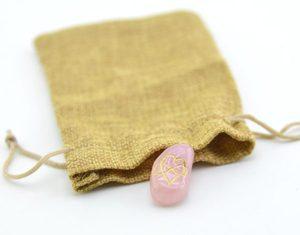 Талисман на любовь. Розовый кварц в мешочке