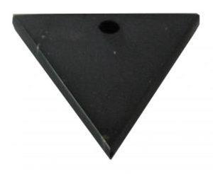 Шунгитовый оберег женский треугольник фото
