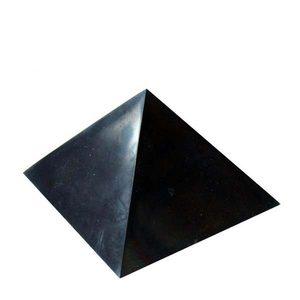 Пирамида из шунгита полированная 5 см фото